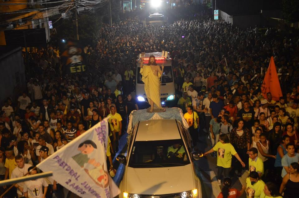 60 mil jovens participam de Caminhada da Ressurreição, em São Miguel Paulista
