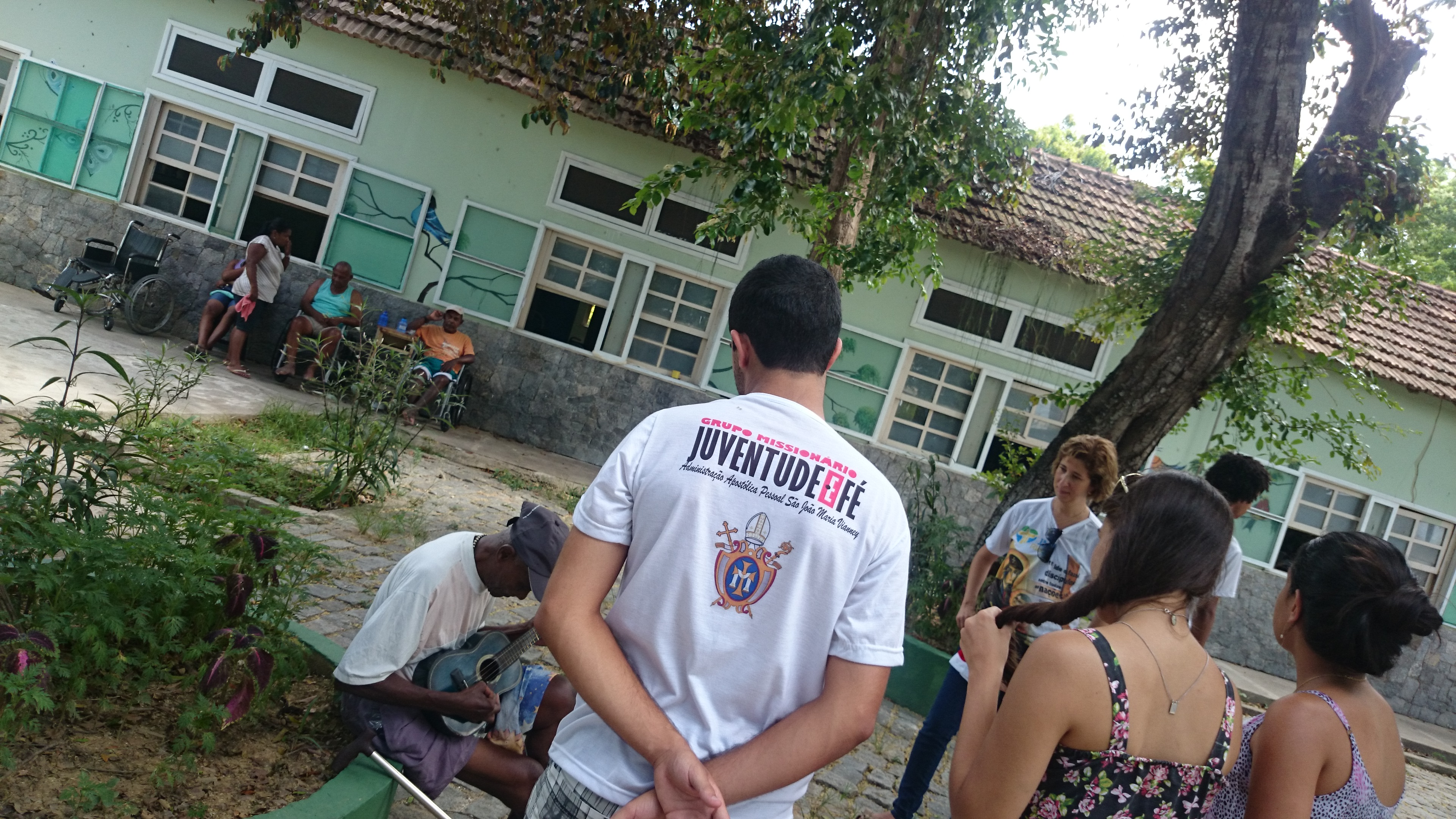 Grupo Missionário Juventude e Fé visita doentes no RJ