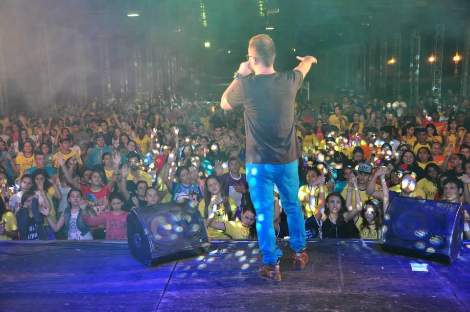 Shows e espiritualidade marcam JDJ de Paranavaí