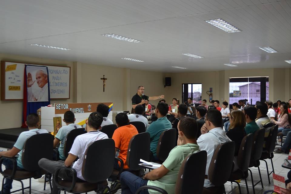 Jovens de Sobral participam de Encontro de Formação de Líderes