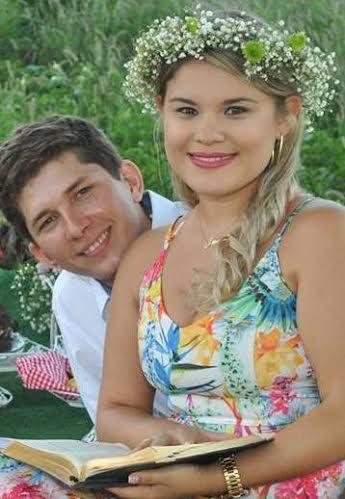 Casal abre mão de uma grande festa de casamento para passar lua de mel na JMJ