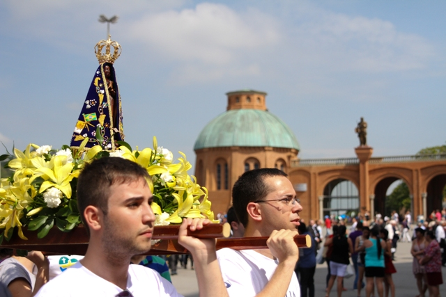 Aparecida 300 anos: Vigília dos Jovens e lançamento do hotsite #Rota300 marcam celebrações deste sábado