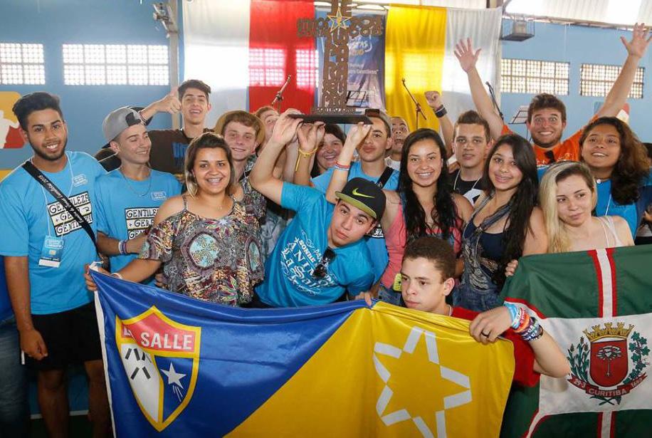 Pequenos gestos e grandes atitudes: jovens lassalistas transformam vidas em São Carlos (SP)