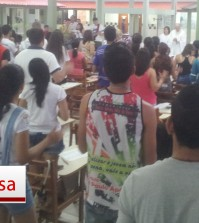 Jovens durante a Missa do DNJ. Foto: Setor Juventude