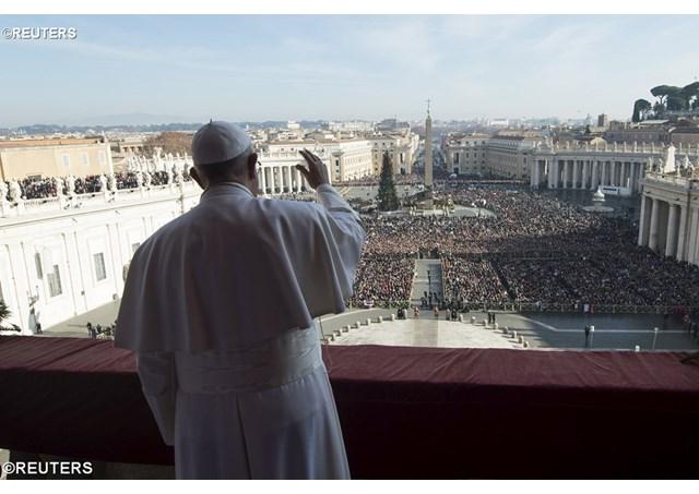 """Papa: """"Onde nasce Deus, nasce a esperança e floresce a misericórdia"""""""