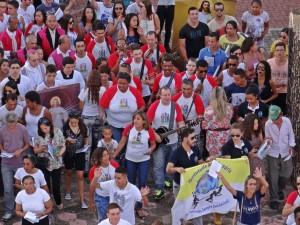 Em caminhada, jovens de Minas Gerais refletem a Misericórdia de Deus