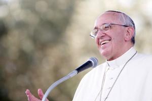 Papa Francisco sorrindo