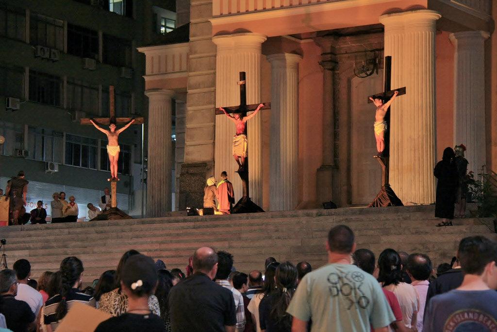 Água Viva Jovens realiza encenação da Paixão de Cristo
