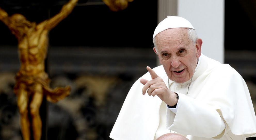 Papa Francisco: Cristo ressuscitado nos dá força para levantarmos