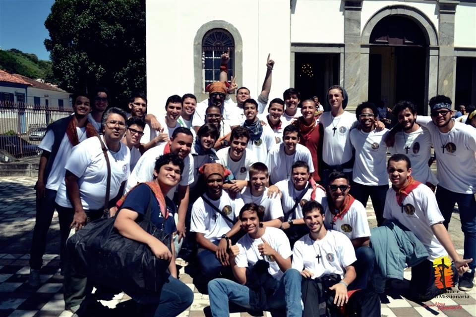 Juventude Missionária do Regnum Christi realiza missão no interior do Rio de Janeiro