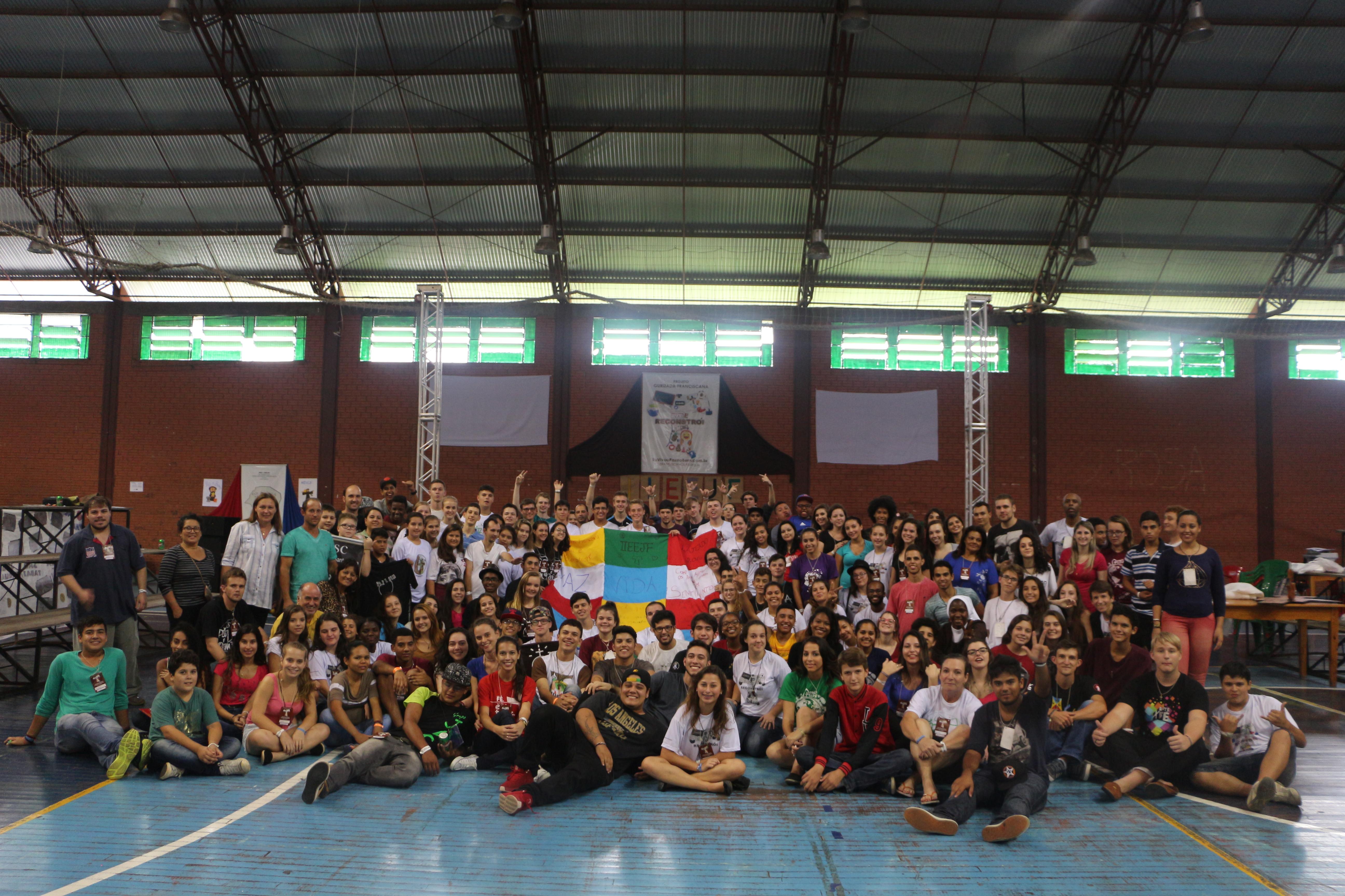 Jovens se reúnem no sul para celebrar o carisma franciscano