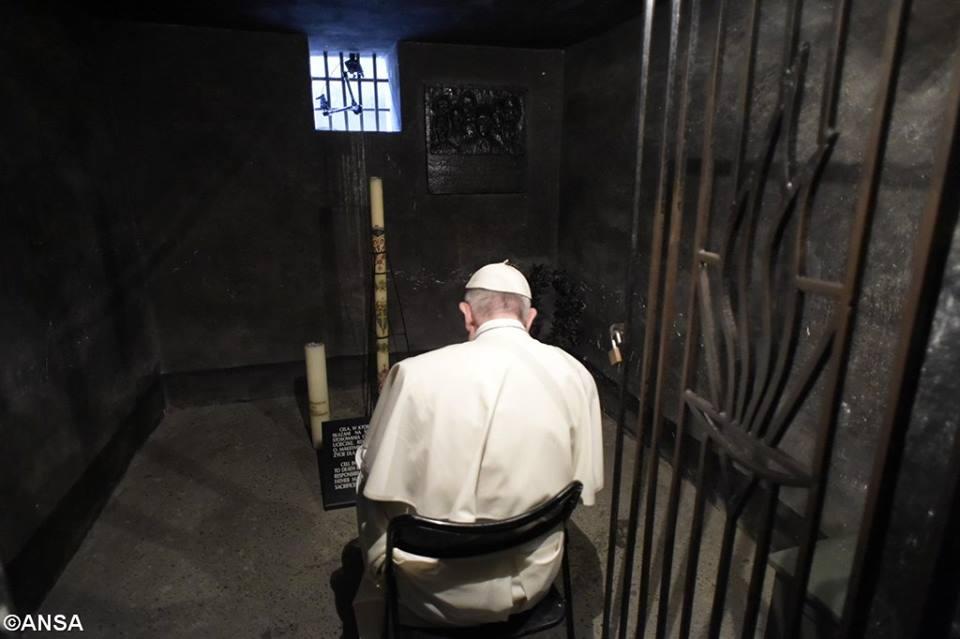 Papa Francisco em Auschwitz e Birkenau: oração e silêncio