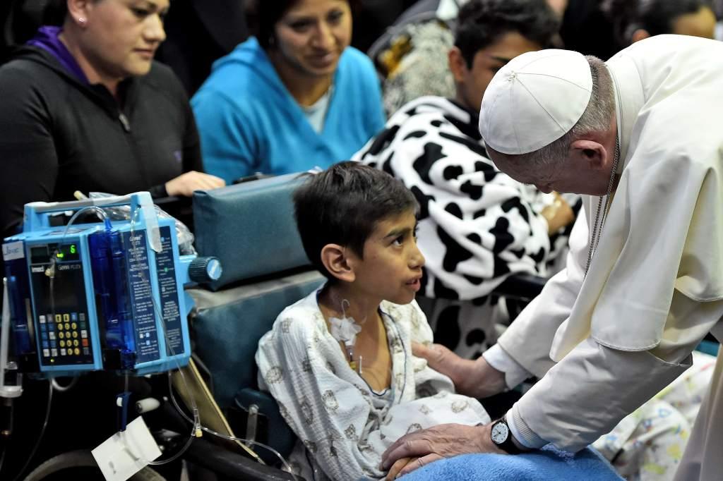 VÍDEO JMJ: Papa visita o Hospital Pediátrico Universitário