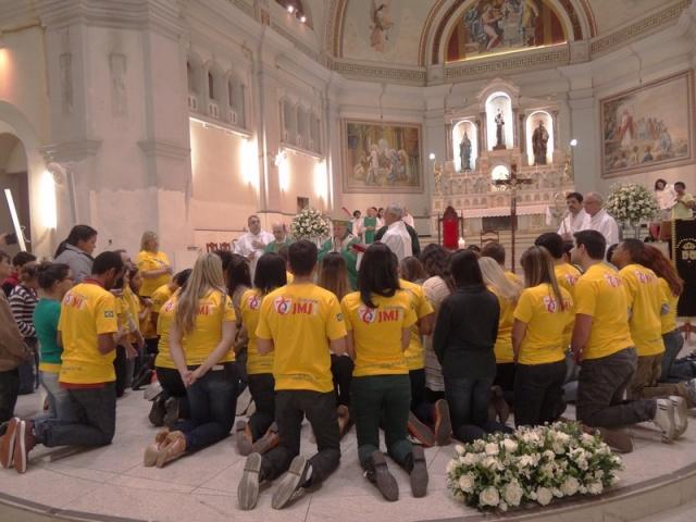 Jovens participam de Missa de envio à JMJ na Arquidiocese de Juiz de Fora