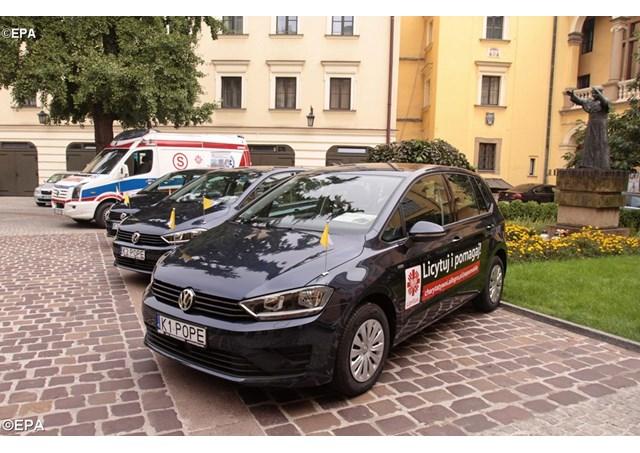 Carros usados pelo Papa na JMJ são leiloados em prol dos refugiados