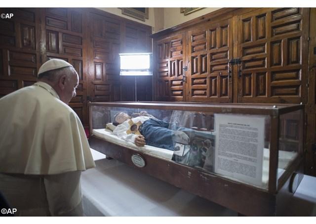 Papa na Catedral de Morélia - AP