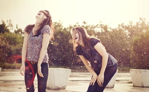 Amizade que tem raiz nunca morre