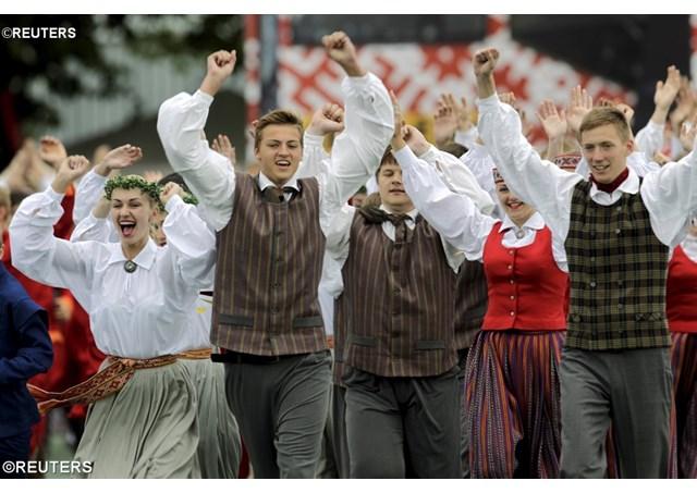 Papa aos jovens reunidos em Riga: É tempo de misericórdia para todos.