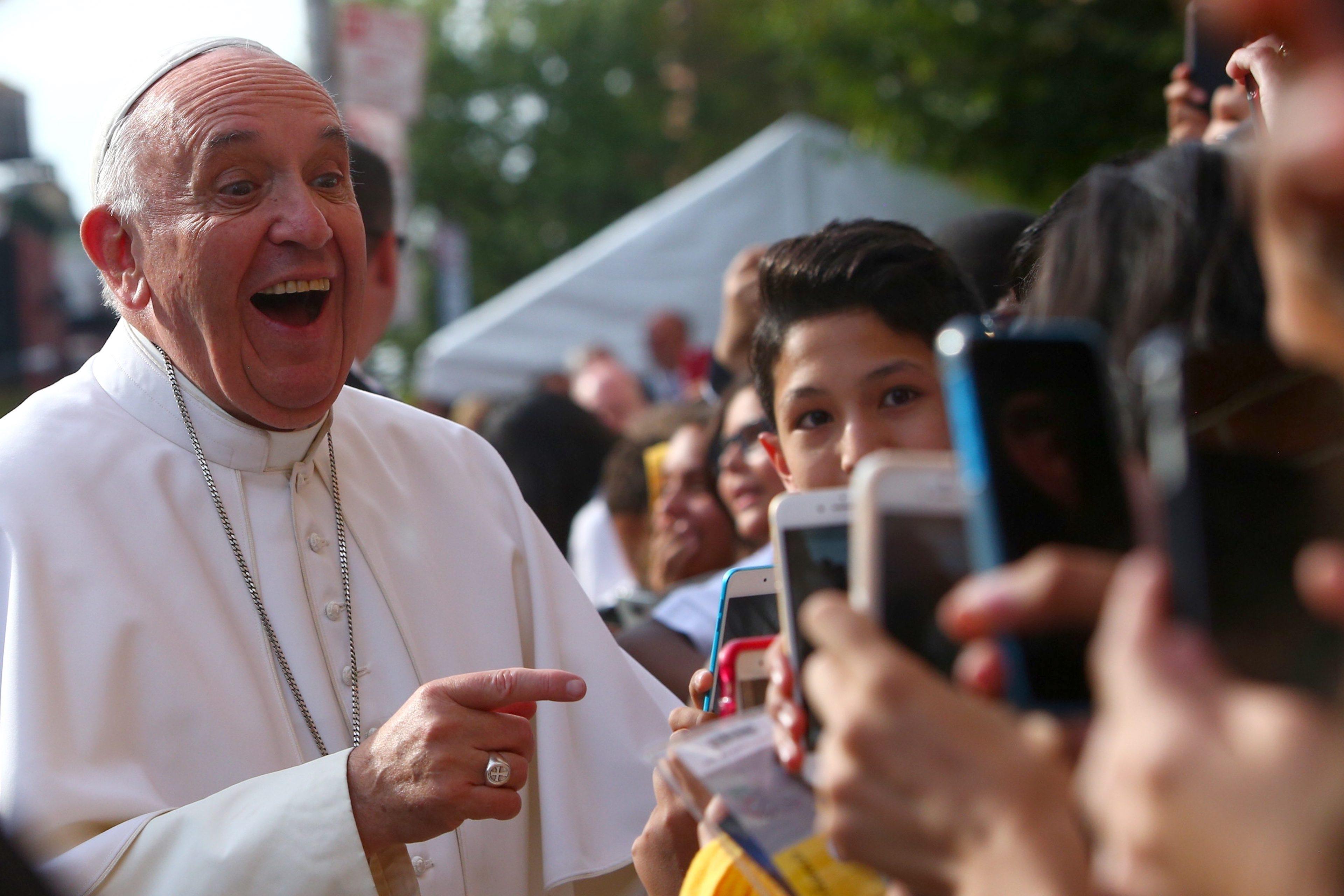 Papa Francisco completa 80 anos e você pode parabenizá-lo