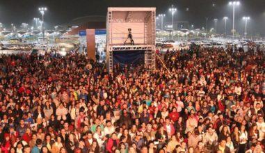 Milhares de jovens curtem o Show da juventude em Aparecida