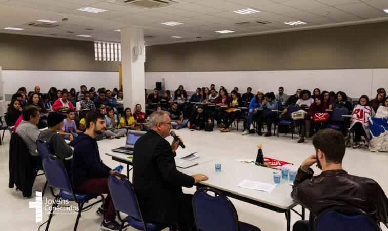 Rodas de Conversa vão abordar e debater assuntos da realidade dos jovens