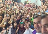 Jovens universitários trocam descanso das férias por missões humanitárias