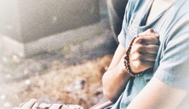 Confira 10 conselhos práticos para rezar o rosário todos os dias.