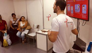 Luta contra Aids: jovens se mobilizam em corrente de atendimento no Brasil