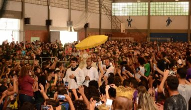 Milhares de jovens celebram o DNJ em Niterói