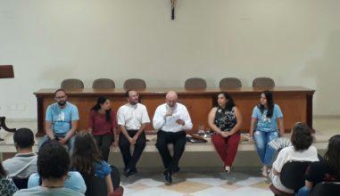 Bate-Papo com o Bispo: jovens de Jundaí promovem roda de conversa com Dom Vicente Costa