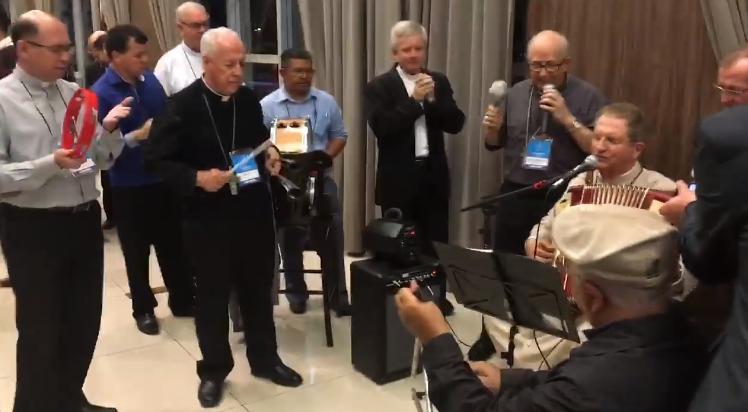Bispos falam sobre descontração e vivência fraterna na Assembleia