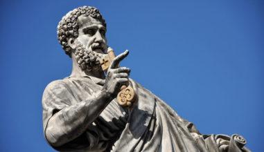 Viva São Pedro, a pedra que fortalece nossa fé no Cristo!