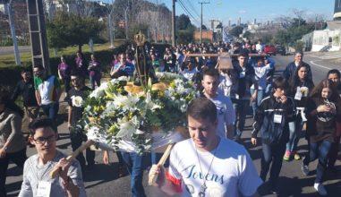 JDJ em Caxias do Sul reúne centenas de jovens para celebrar a unidade