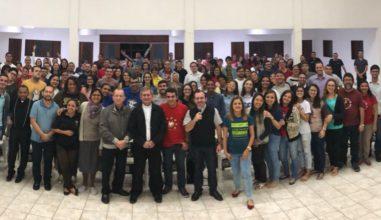 Juventude da Diocese de Caruaru tem encontro com Dom Vilsom Basso
