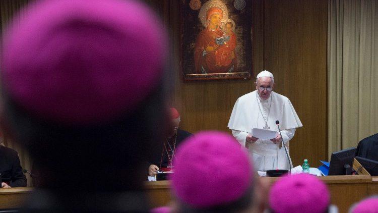 #ConectadosNoSínodo Novo documento do Papa: Sínodo dos bispos a serviço do Povo de Deus