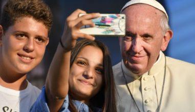 Papa aos jovens: sejam como Dom Quixote, não como Sancho Pança!