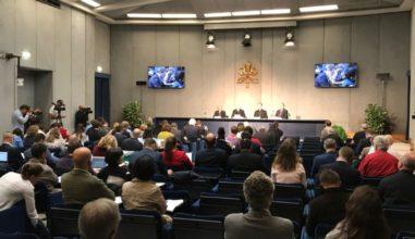 Coletiva apresenta o Sínodo dos Jovens à imprensa em Roma