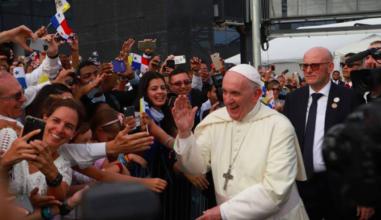 Papa Francisco chega ao Panamá