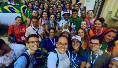 """Em Clima de unidade, jovens celebram  """"Eucaristía Latinoamericana"""", durante a JMJ"""