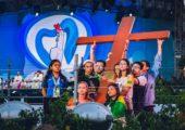 Cirineu, a esperança e os jovens: peregrinos brasileiros na Via Sacra da JMJ