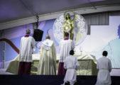 Oração do Papa Francisco para confiar os jovens do mundo a Maria