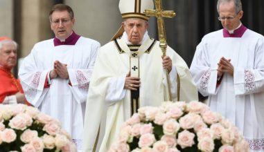 """Páscoa: """"Deixemo-nos renovar por Cristo"""", pede Papa Francisco"""