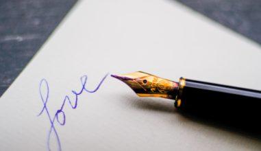 """Cinco dicas de Santa Gianna para você escrever """"aquela"""" carta ao amor da sua vida!"""