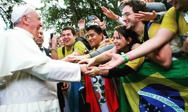 Papa envia mensagem para o Dia Internacional da Juventude: jovens sejam educados à transcendência