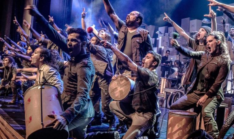 Jovens e adultos em situação de rua são tema de musical apresentado por Ziza Fernandes