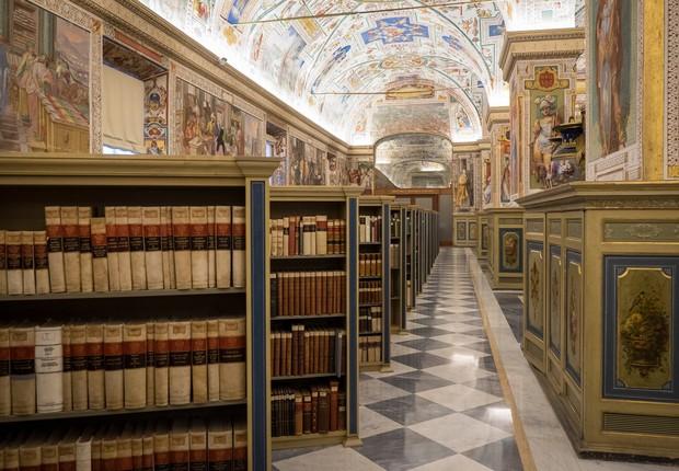 Caso você não saiba, a Biblioteca do Vaticano foi digitalizada e está online