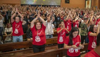 """Vigília """"Celebra Juventude"""" chega a sua 10ª edição louvando a bondade e o amor do Senhor"""