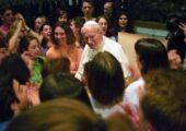 João Paulo II: poste fotos e vídeos nas redes sociais com as #ThankYouJohnPaul2 e #ObrigadoJoãoPauloII