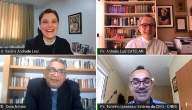 """""""A Juventude ocupa um lugar central no pensamento e no coração de Francisco"""", diz Monsenhor Catelan no XVI ENRDJ"""